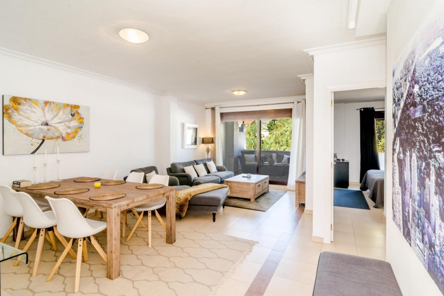 LM27-Modern 2 bedroom penthouse close to Puerto Banus