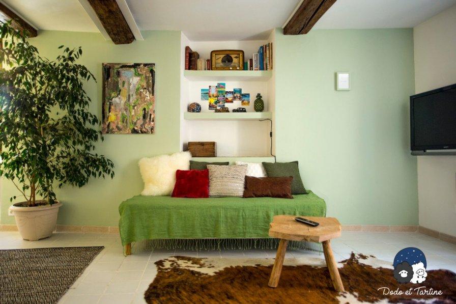 Lovely vintage studio apartment / Historic centre