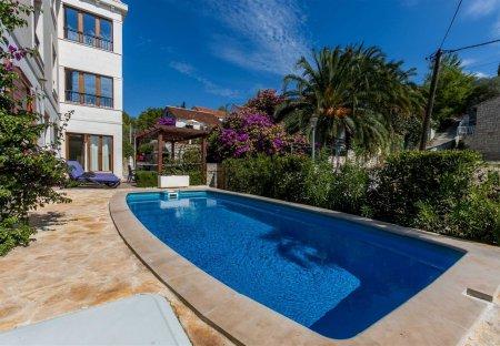 Apartment in Milna, Croatia