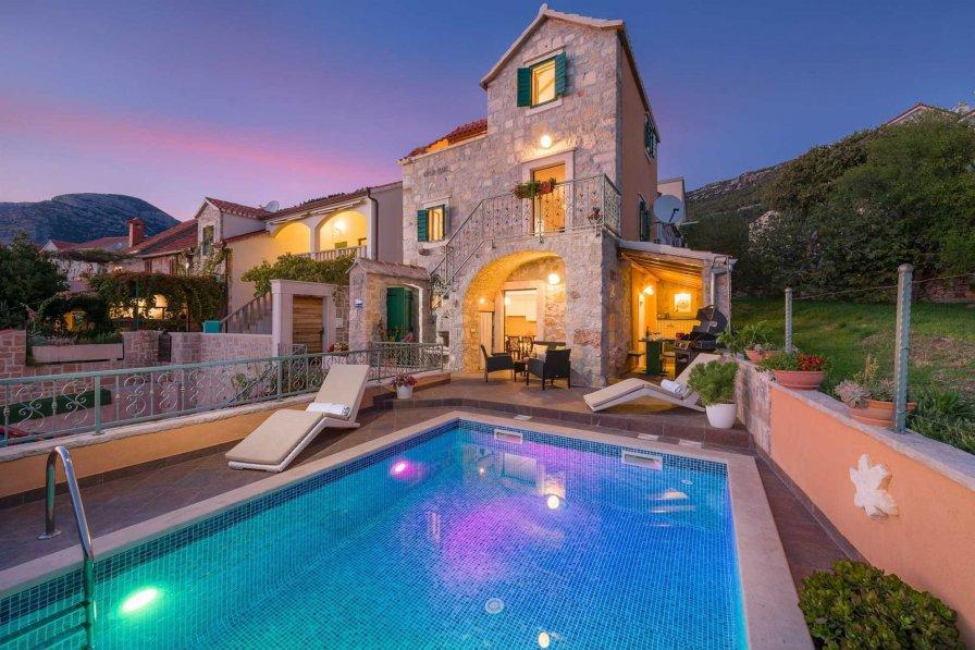 Villa in Croatia, Bol