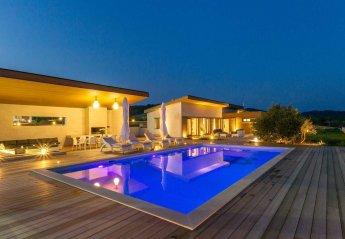 5 bedroom Villa for rent in Gdinj