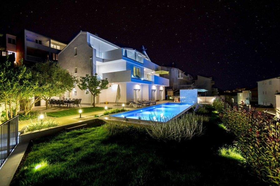 Villa in Croatia, Podstrana