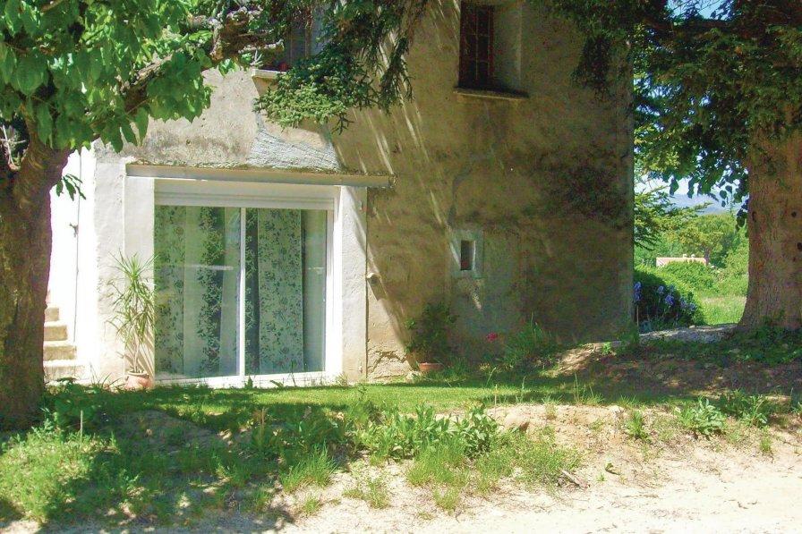 Studio apartment in France, Entrechaux