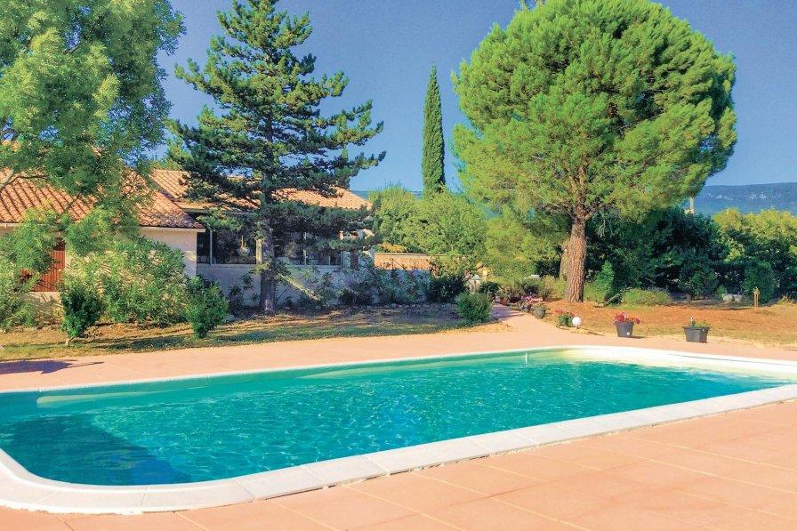 Villa in France, Villars