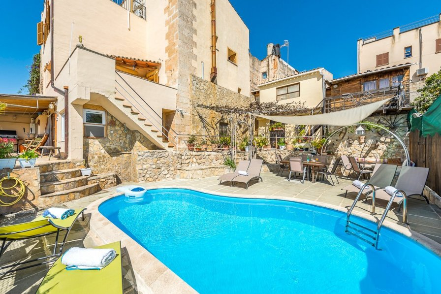 Town house in Spain, Campanet