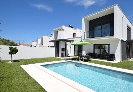 Villa in Salir do Porto, Portugal