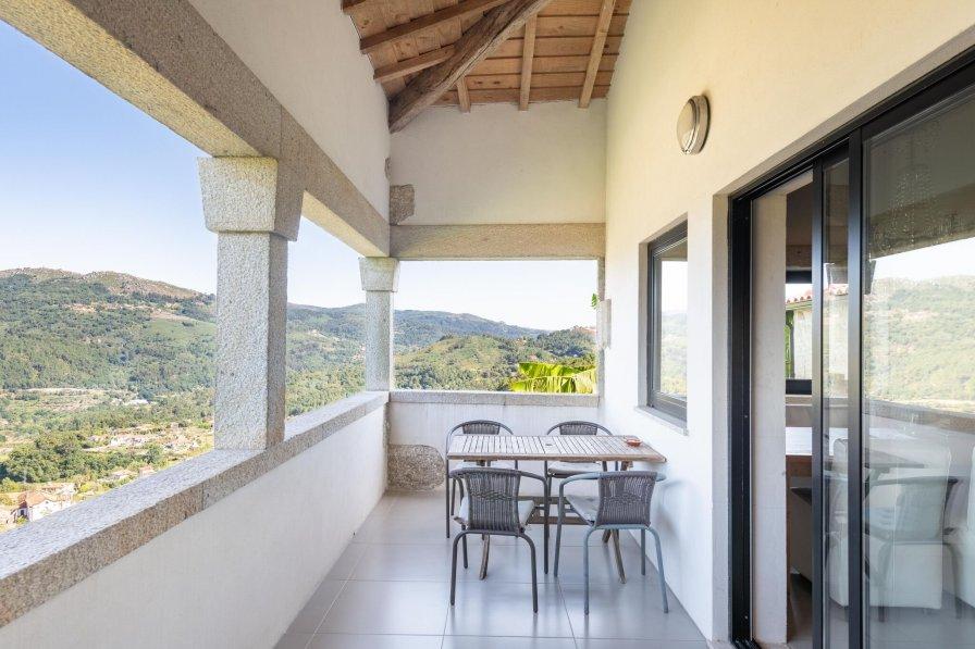 Owners abroad Fazenda