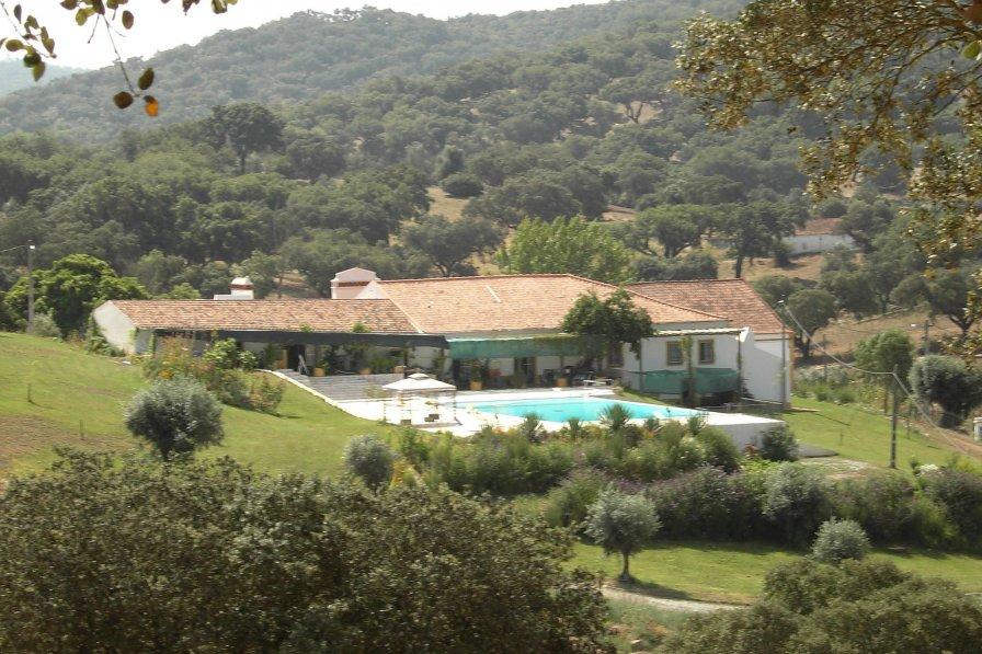 Owners abroad Casa das Pedras