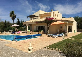 3 bedroom Villa for rent in Santa Barbara de Nexe
