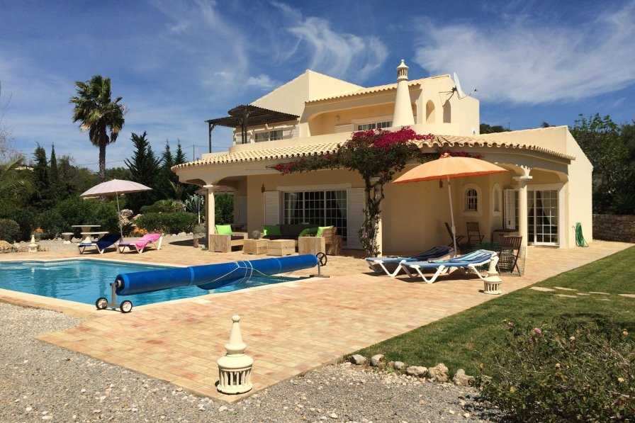 Owners abroad Casa Esplendor
