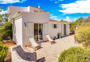 4 bedroom Villa for rent in Santa Barbara de Nexe