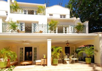 4 bedroom Villa for rent in Mullins Bay