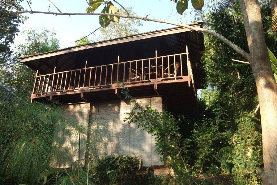 Chom Doi Pavilion, Unique Lakeside Stilt-House in Nature