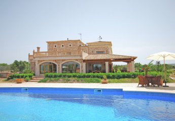 7 bedroom Villa for rent in Campos