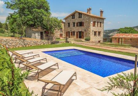 Cottage in Vallcebre, Spain