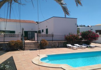 5 bedroom Villa for rent in La Oliva