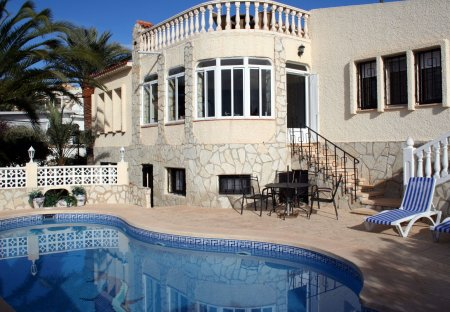 Villa in Coveta Fuma, Spain
