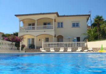 5 bedroom House for rent in L'Escala