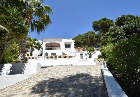 Villa in Urbanització Cala Advocat-Bonavista, Spain