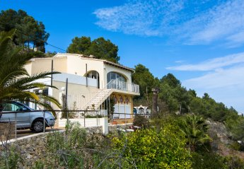 7 bedroom Villa for rent in Moraira