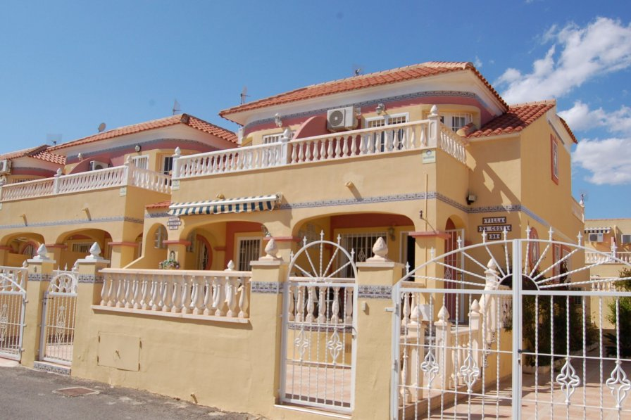 Villa in Spain, Urbanización Villacosta II-Las Filipinas