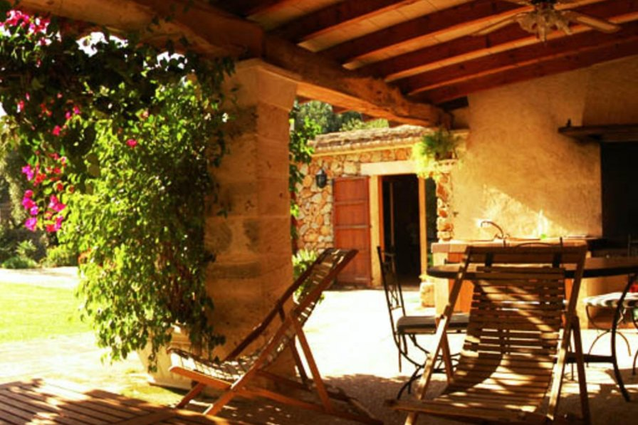 Farm house in Spain, Búger