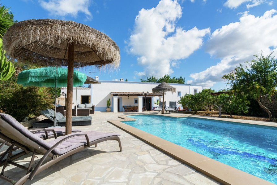 Villa To Rent In San Antonio Ibiza With Private Pool 236433