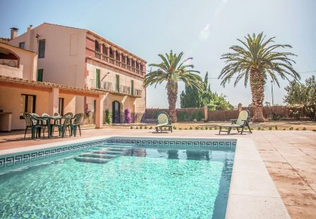Villa in Sant Pere Pescador, Spain