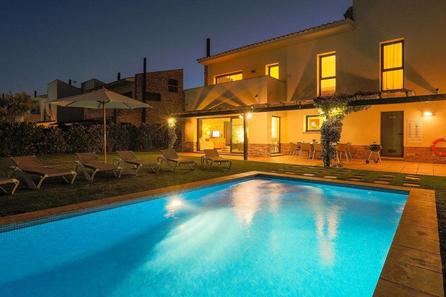Villa in Spain, Albons