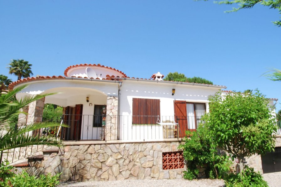 House To Rent In Urbanitzaci 243 Mas Pere Spain With Private