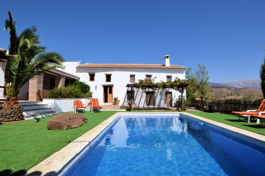 House To Rent In Alm 225 Char Spain With Private Pool 236891