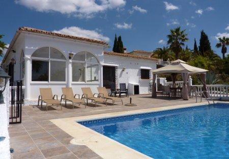Villa in Fuente Amarga, Spain