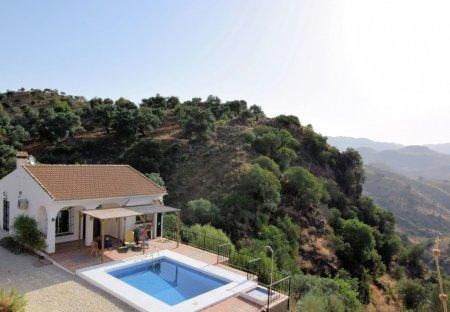 Villa in Almogía, Spain