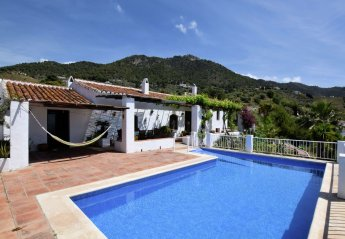4 bedroom House for rent in Frigiliana