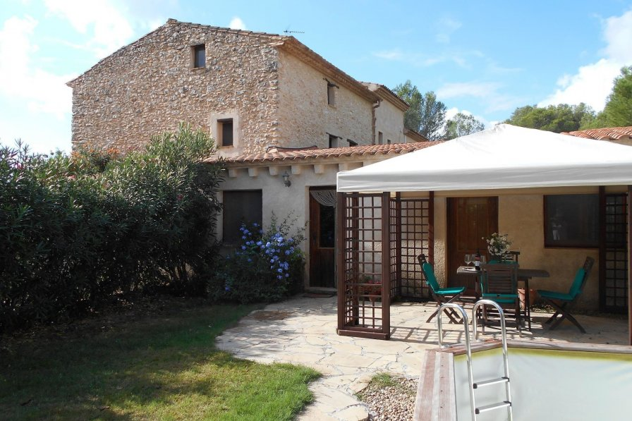 Cottage in Spain, Renau