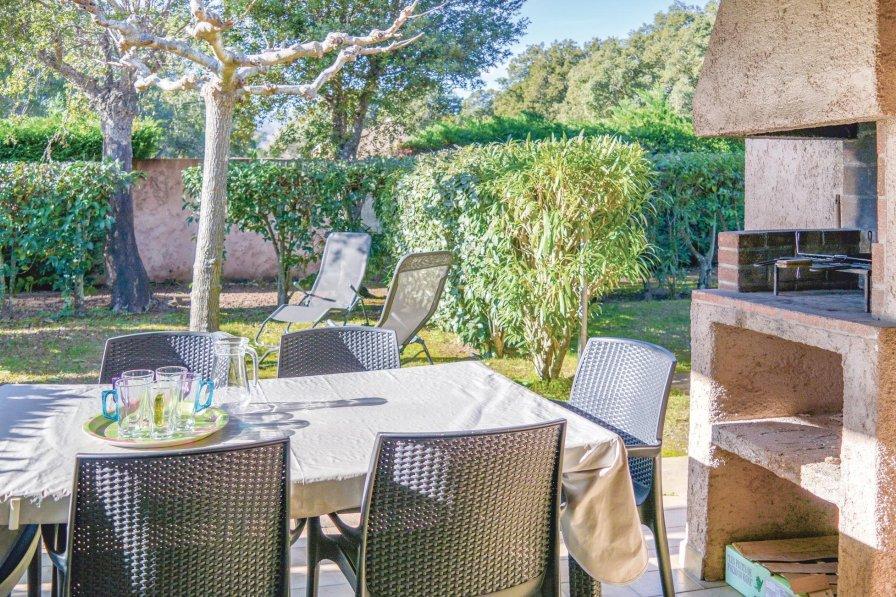 Villa in France, Zonza