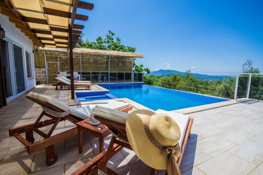 Secluded Two Bedroom Villa Donat Duo with Private Pool and Views