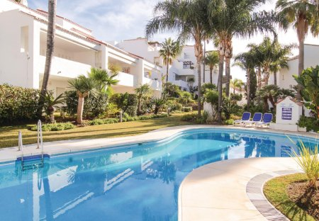 Apartment in Bahía de Marbella, Spain
