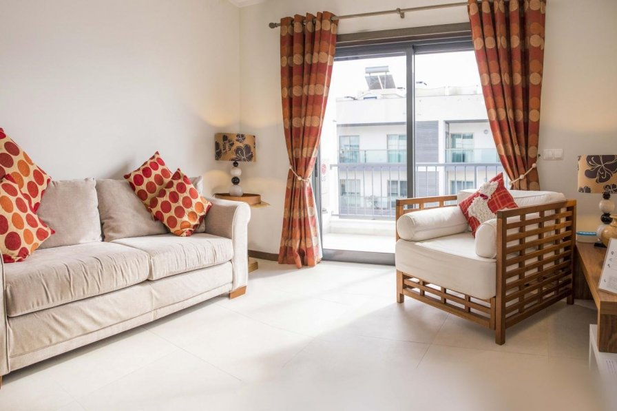 Luxury 2 Bed with Top Terrace Pool