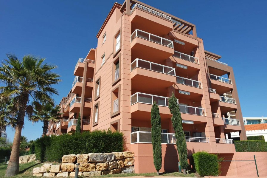 Fantastic Apartment with Pool Almost on the Sandy Beach!