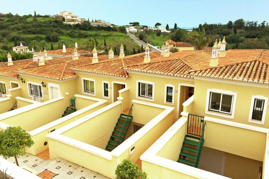 Villa To Rent In Ferragudo Algarve With Shared Pool 237375