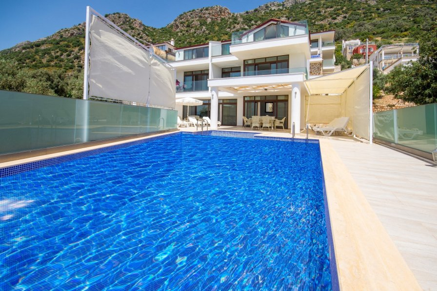 Secluded 4 Bedroom Villa Akkaya with Large Infinity Pool & Views