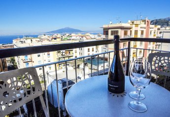 4 bedroom Apartment for rent in Sorrento, Campania