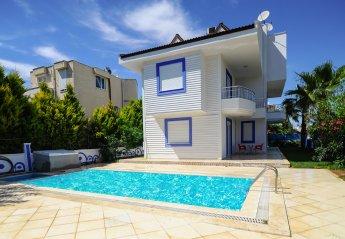 6 bedroom Villa for rent in Serik