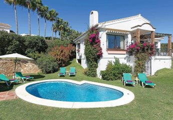 3 bedroom Villa for rent in Sitio de Calahonda