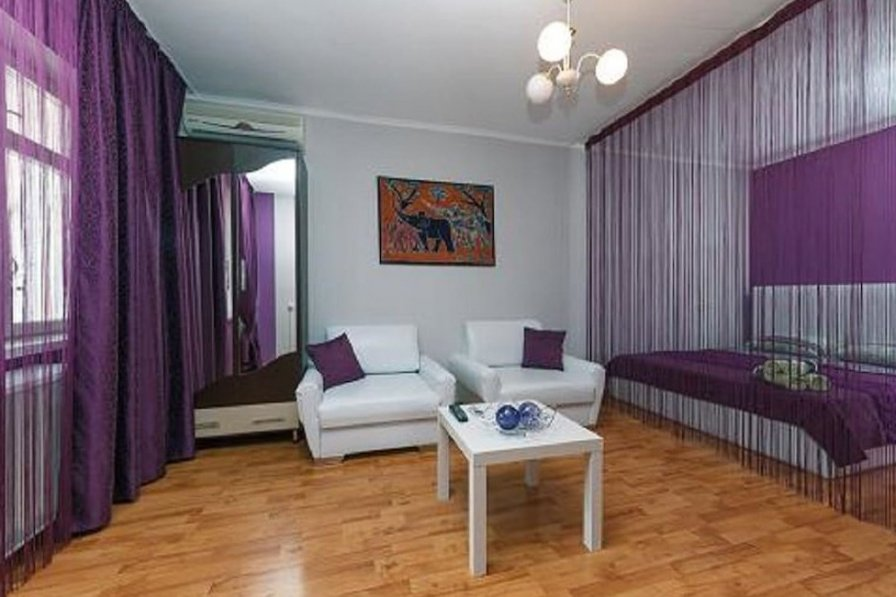 One-room. Lux. 19 Baseina str. Centre of Kiev