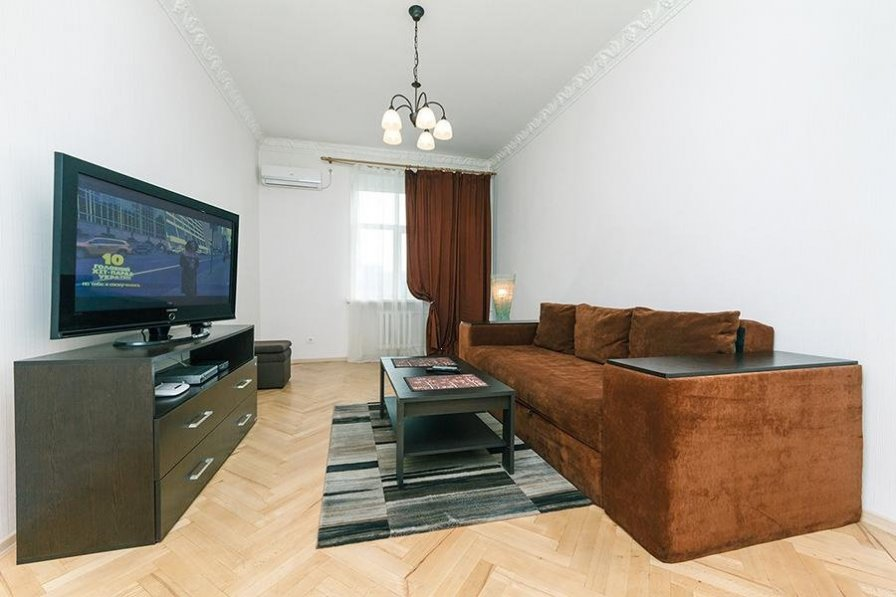 Two-room. Lux. 17 Baseina str. Centre of Kiev
