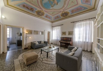 4 bedroom Apartment for rent in Genoa