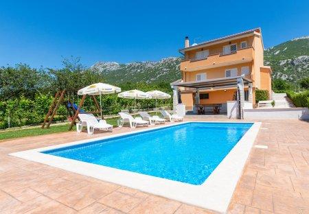 Apartment in Ostrvica, Croatia
