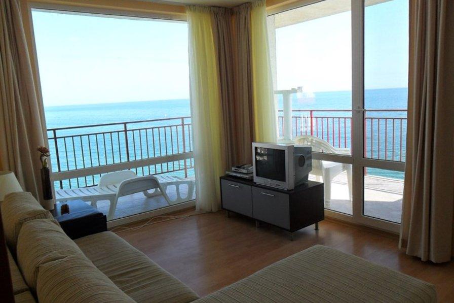 Apartment in Bulgaria, Robinzon: Double aspect sea views